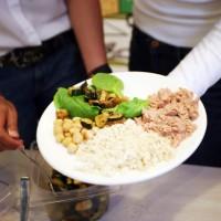 Ensalada solidaria: hidratos de carbono, vegetales y proteínas
